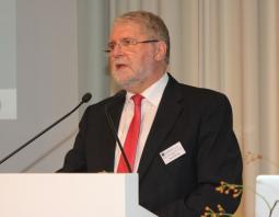 SZV Vorstandsvorsitzender Dr. Werner Neunzig